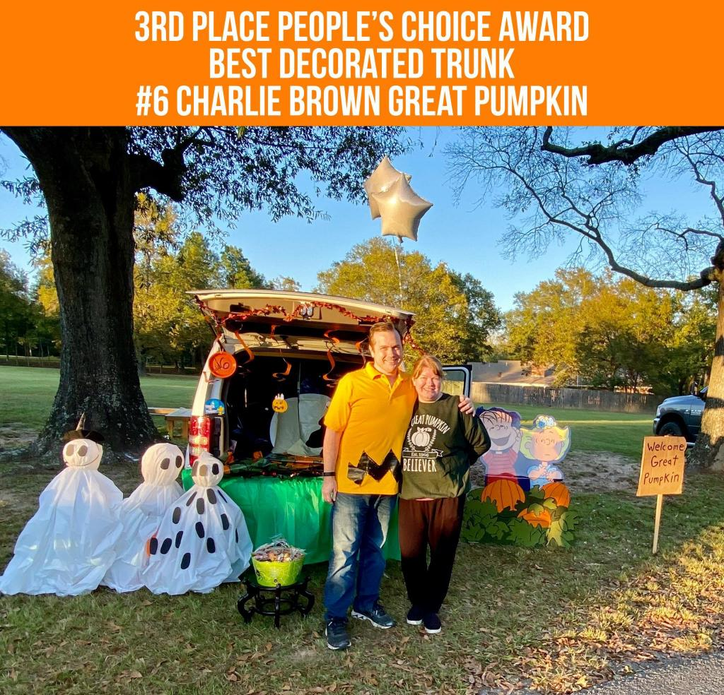 • 3rd Place #6 Charlie Brown Great Pumpkin Janelle & Jim Gibson