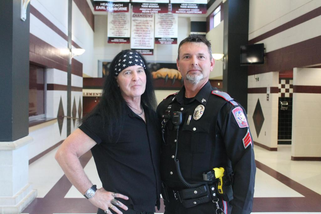 Dave Evans and Officer Joey Hudnall