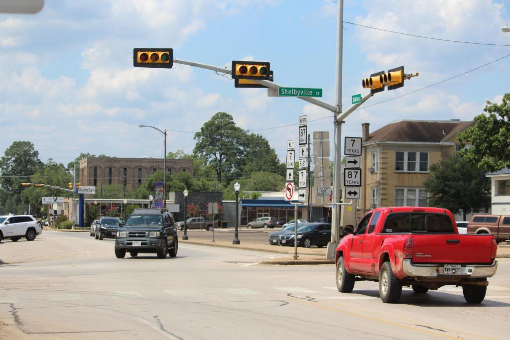 Since mid-June traffic around the downtwon Center square has been controlled by flashing red signals.